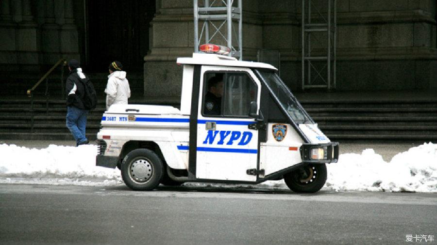department简写_上面写着zpd是zoopotia police department的简称.