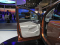 明星云集助阵的北京车展上,近距离感受福特新款翼虎
