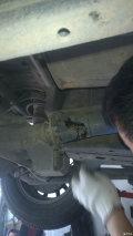 底盘养护:更换前桥、后桥油、传动轴打黄油、更换小连杆胶套