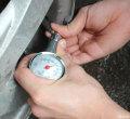 高精度汽车胎压计胎压表可放气轮胎胎压计多功能胎压计