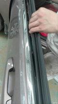 哥瑞主驾驶车窗升降器异响,4S店免费更换新胶条
