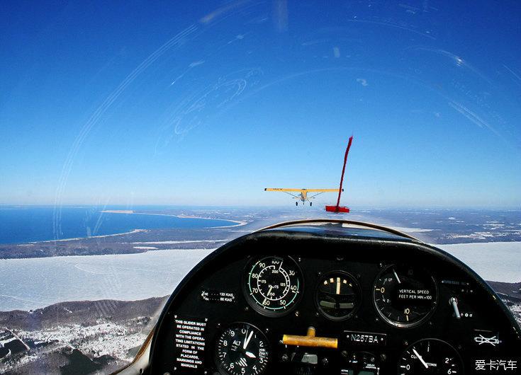 【精华】一起看看飞机驾驶舱内的风景