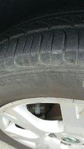 请问轮胎有裂纹了需要换吗?