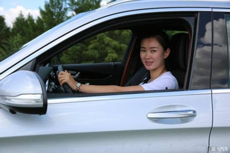 奔驰GLC车主美女论坛记_奔驰GLC买车论坛_美女米脂陕北图片