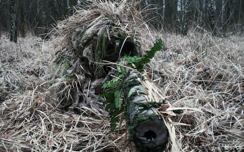 战场上的幽灵杀手 全球各国狙击手伪装图 _第
