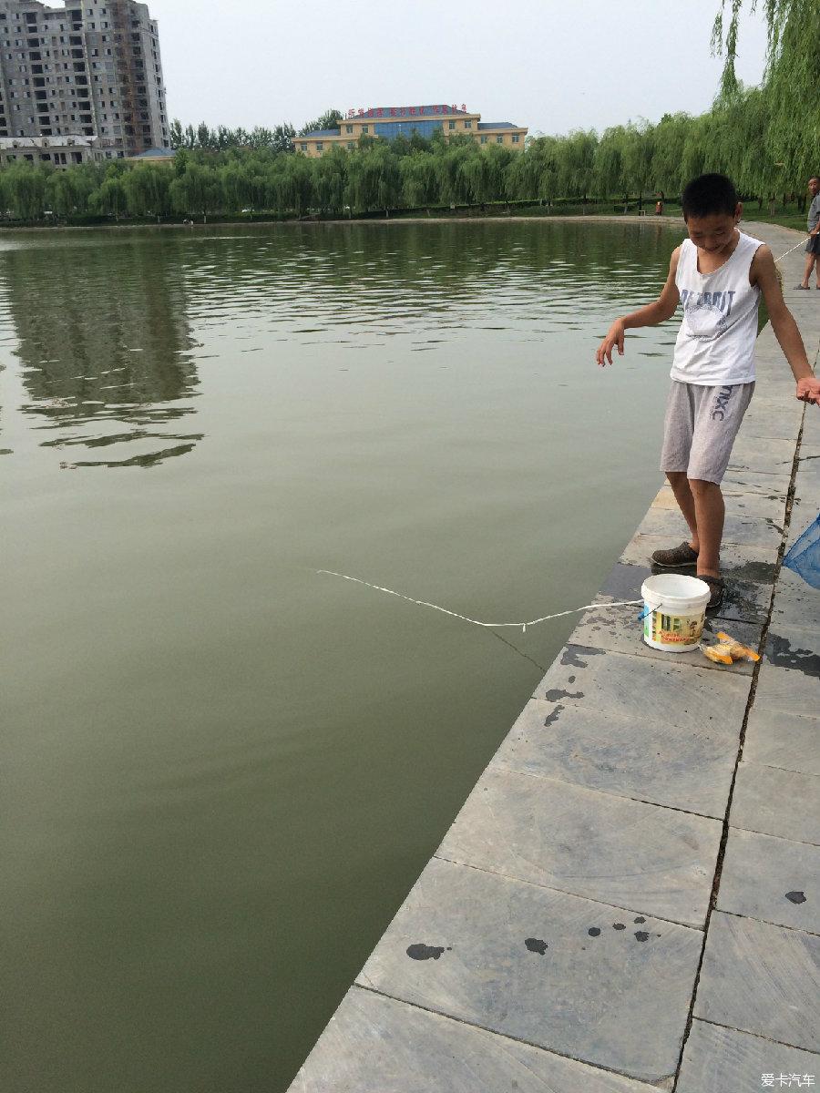 幸福 湖边/湖边的小船