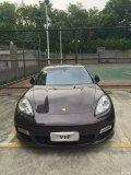 13款限量版帕纳美拉turbo4.8T黑红色