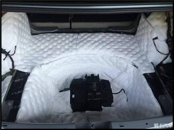 奥迪A4L全车TEAC隔音常州骐迹坊汽车音响改装视频步七拳图片