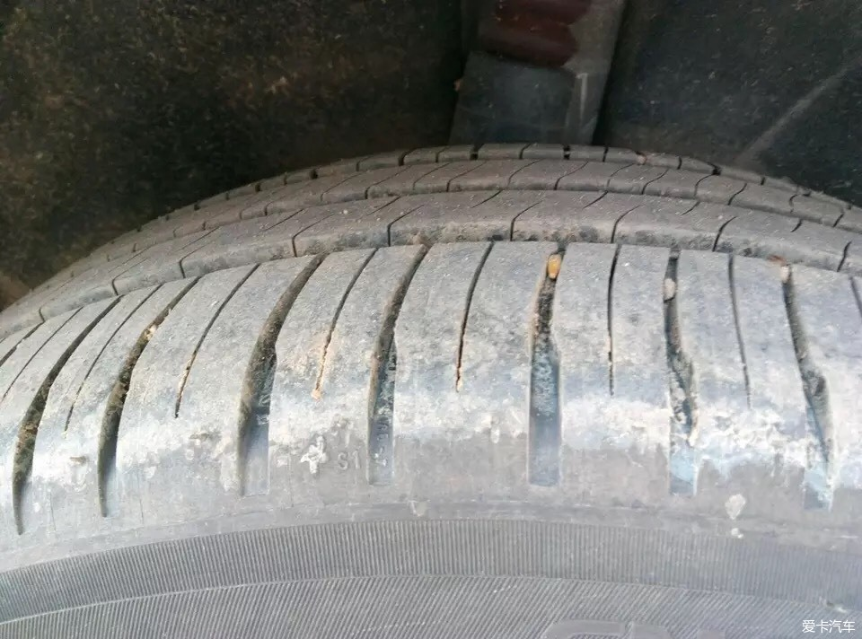 想买个夏朗备胎,掌握数据偏差中的偏距的轮毂广告设计需请教的技术图片