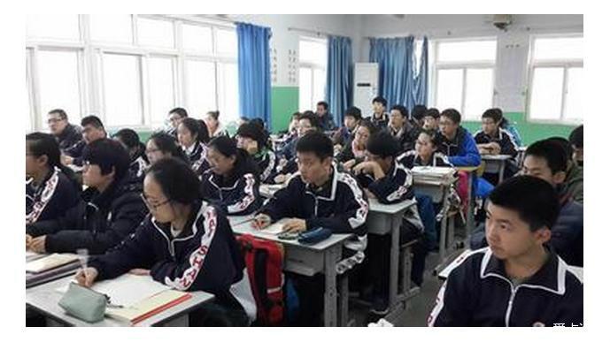教育部:将治理中小学教师有偿补课和收受礼金
