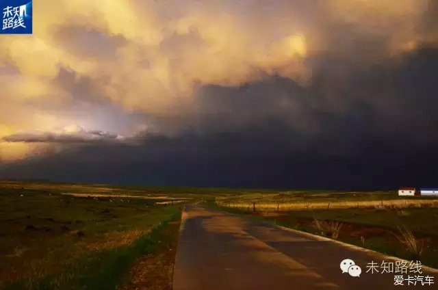 1、草原天气多变,一会晴天一会 2、如遇下雨,车辆尽快回到公路