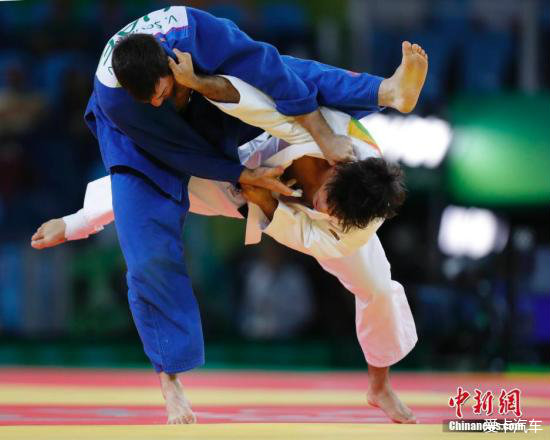 > 奥运柔道铜牌获得者追小偷反被打成熊猫眼