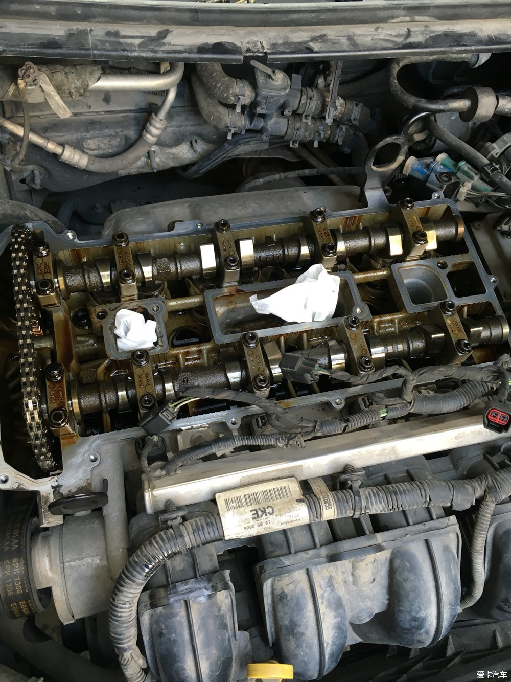 06年老福自己拆解egr阀和更换缸盖密封垫作业_福克斯图片