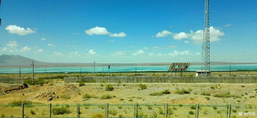 门源县的千亩油菜花,每年不知多少人为此可驱车千里,就为那一眼的