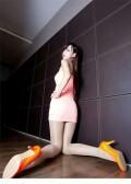 【惊艳美女肉色丝袜高跟美腿写真……】