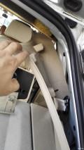 06年polo劲情,天窗后排水管接头终于,车顶布都起壳了。