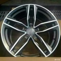 Q5升级19寸奥迪RS系列高性能改装版本轮毂款式。