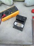 今天自己动手把ABS泵电脑板拆下来了