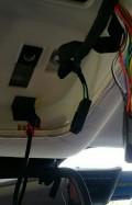 安行车记录仪,可以在后视镜这块区域取电么?