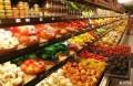 70岁大叔开超市,专卖过期食品,买的人却排起了长队…