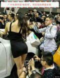 广州车展和模特儿们(多图,自备纸巾)