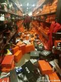 经历了黑色星期五的美国Nike商店