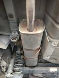 排气管卡箍锈断了(已更换)