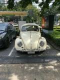 来看看人家泰国的老爷车是如此的随处可见!