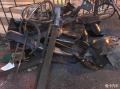 杭州街头5辆豪车连撞宝马奔驰全撞毁