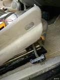 电动座椅不能后退了。