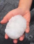 今天的冰雹无敌了!来点网上的图片