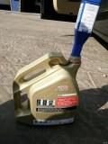 888保养,顺便拍了几张山东中石化的汽油颜色