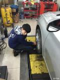 胎压监测已经安装,轮胎充气时的胎压和轮胎店的胎压一样,靠谱