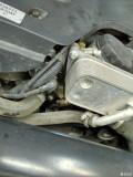 机油格和右前减震漏油,怎么办