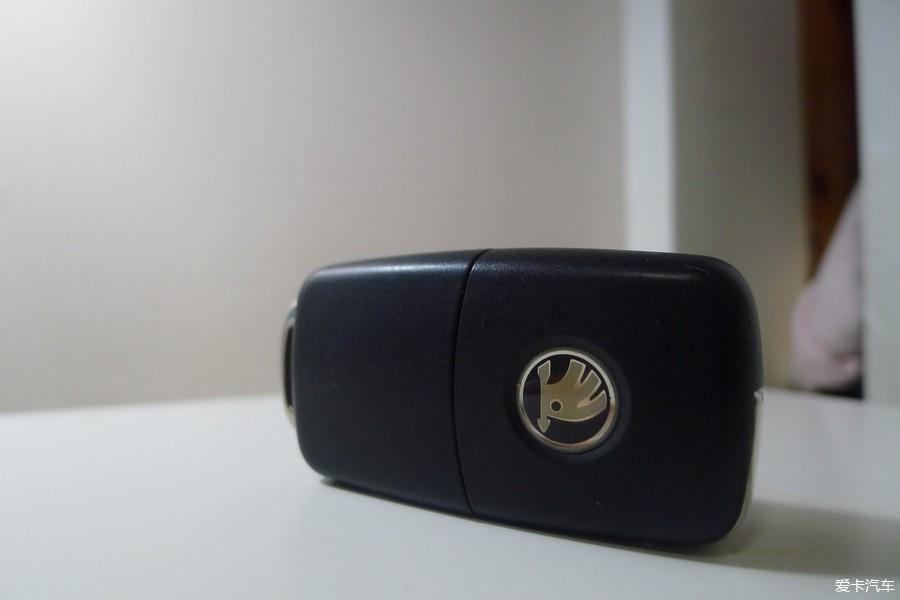 维保不求人之更换遥控钥匙电池高清图片