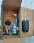 老K2车主甩卖一套全车锁,虎牙雾灯两对!