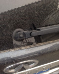 英菲尼迪后车窗雨刮怎么拆下来?