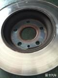 小白的第一次动刀,更换刹车盘前盘一只,就是有点对不住老铁了