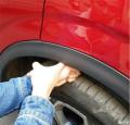 科雷嘉的后轮胎左右高低不同