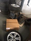 换米胖子17寸凌渡轮胎轮毂以及其它改装(全原装)
