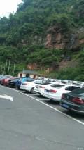 赤水大瀑布停车场着川A渝A霸占完了。