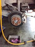 昨天换完刹车片和刹车油。目前磨合中