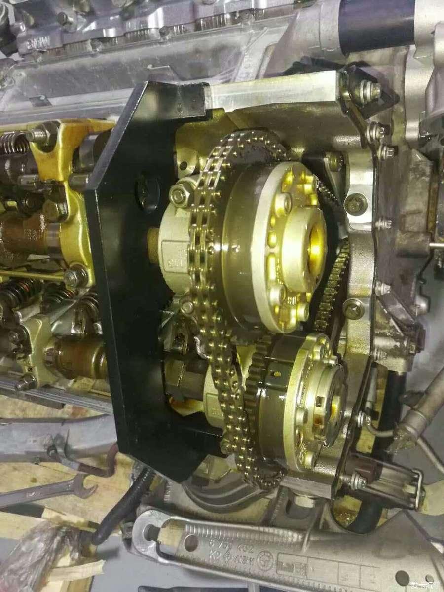 宝马e60 545i 8缸发动机大修烧机油冷却液泄露修复记