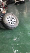 因为升级轮胎,拆下原装18轮出售