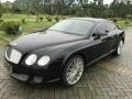 11宾利GT黑色象牙白