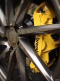 锐志升级改装BREMBOGT大六活塞刹车卡钳分泵完美升级