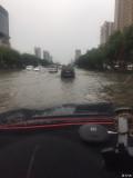 大雨后开车如行船