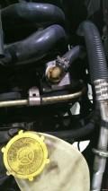 04款老嘉年华换方向助力泵