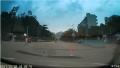 深圳葵涌葵坝路比亚迪路段发现疑似无人机碰瓷汽车