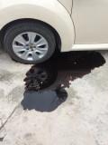 紧急求助,租的车机油漏了